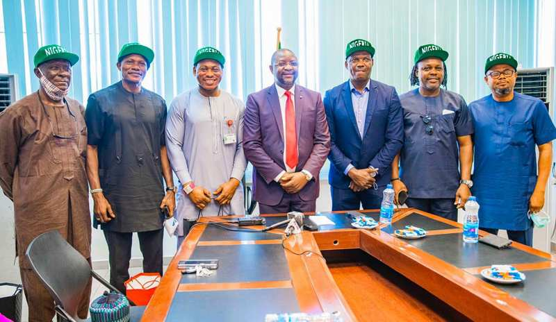 1994 Super Eagles Pay 'Thank You' Visit to Fashola & Dare Over House Rewards